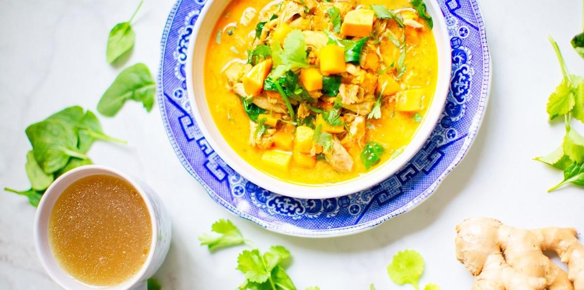 Herbstliche Kürbissuppe mit Ingwer und Kurkuma - einfach lecker!