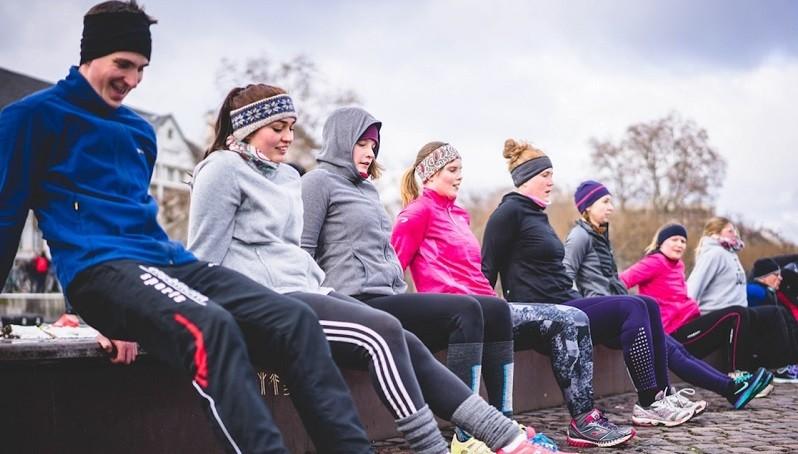Gute Vorsätze für 2019 erreichen! Stress abbauen, mehr Zeit mit Freunden und mehr Sport